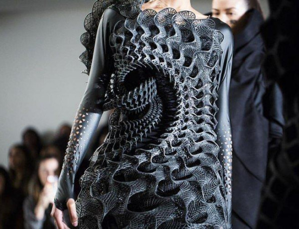 The Future of Design and Manufacturing is Here [3D Printing in Control]