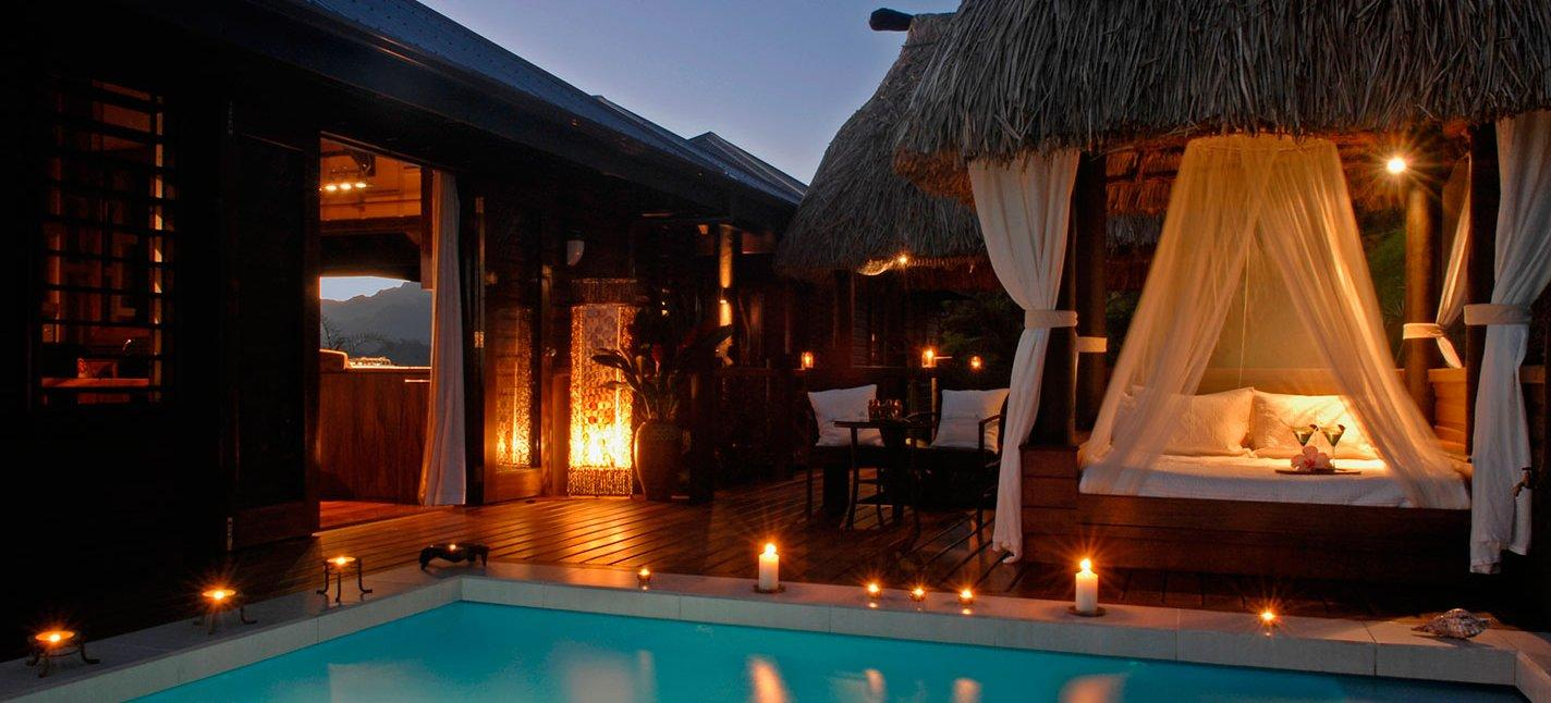 airbnb luxury retreats acquisition private villas