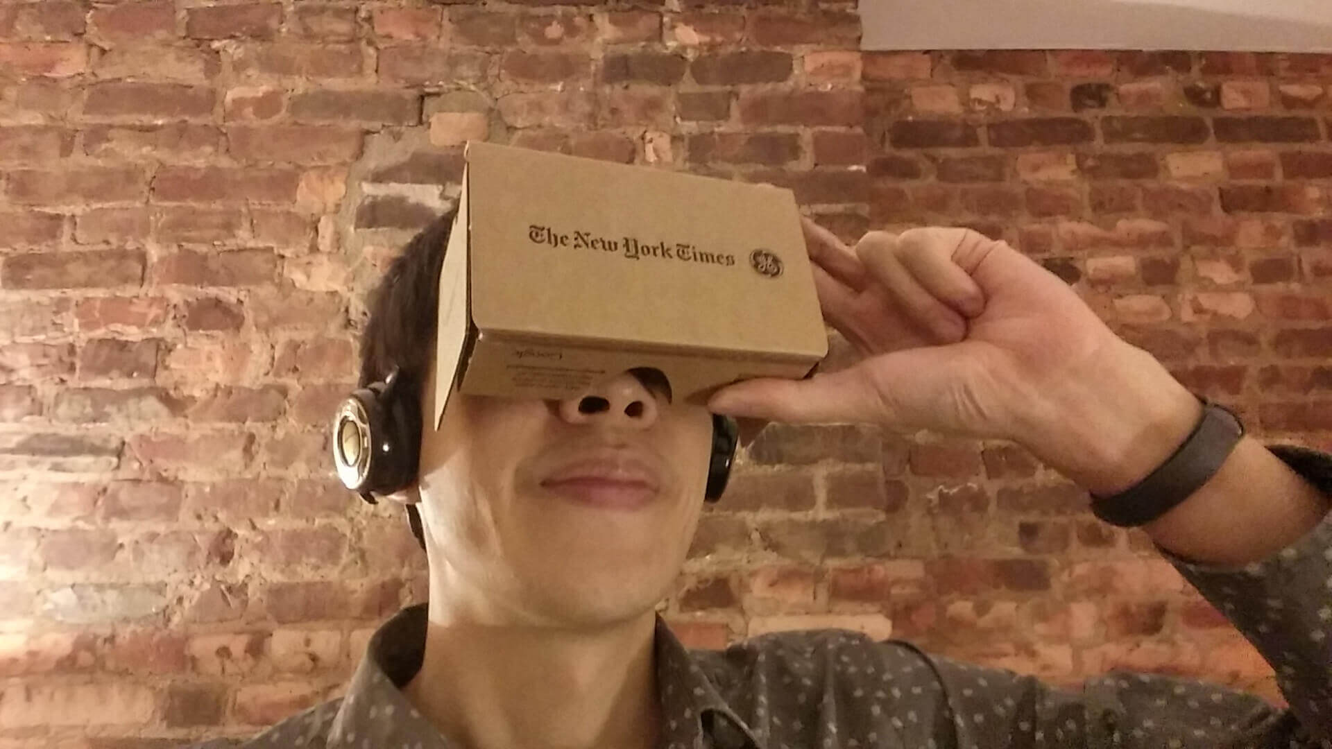 virtual reality headset tech new york times news