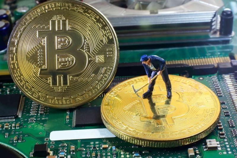 bitcoin cash mining price split